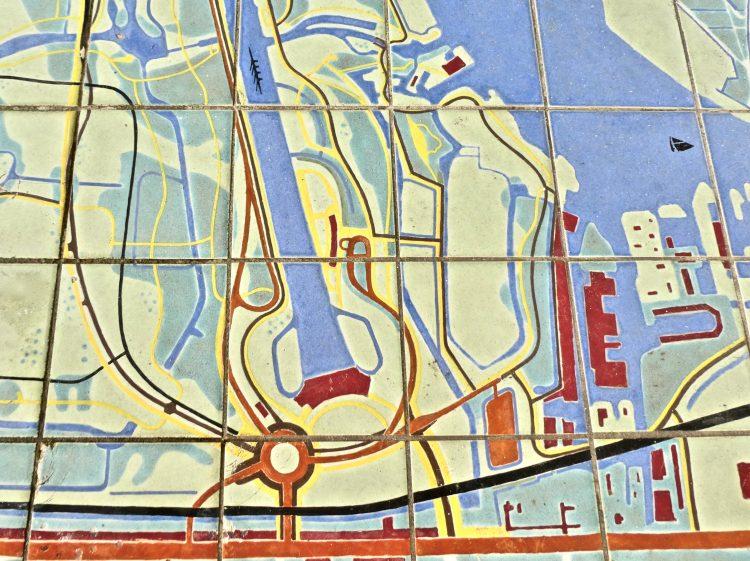 De hoofdentree van het Bos in 1964 op een tegeltableau.