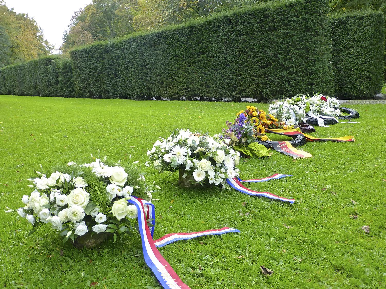Het Dachau Monument na de herdenking vorig jaar