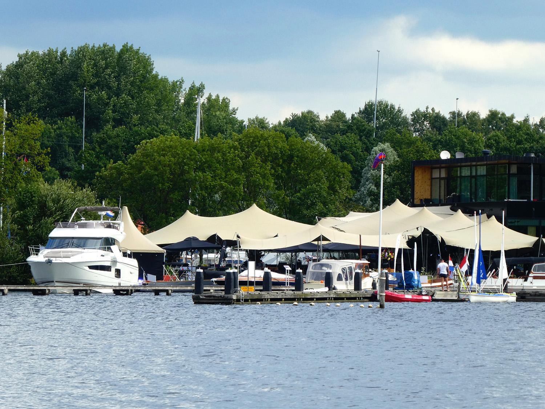 De jachthaven bij restaurant Het Bosch
