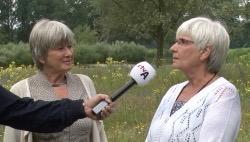Hetty (l) en Nanny Brander vonden de films terug en maakten ze up-to-date