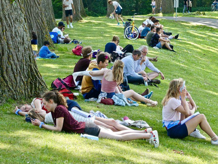 Het vrije gebruik van grasvelden werd gekopieerd uit Engeland