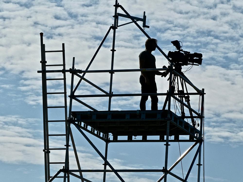 Een cameraman in het Wagener Stadion