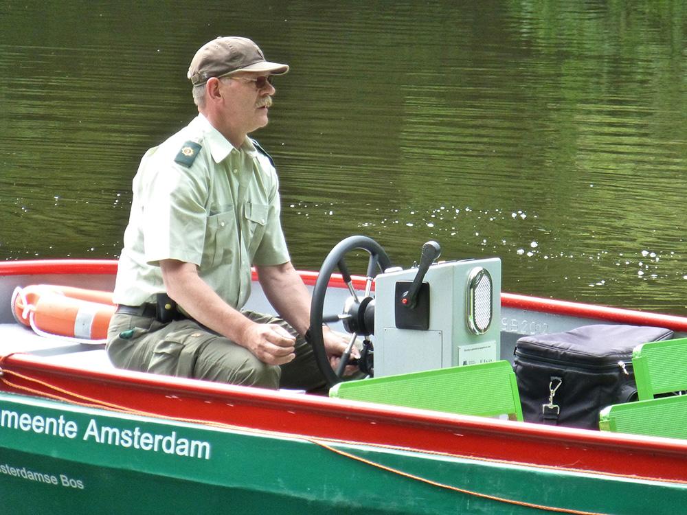 Als stuurman van de rondvaartboot